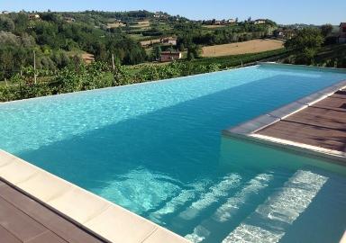 Costruzione e vendita piscine interrate e fuori terra for Piscine in offerta